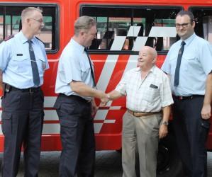 Feuerwehr gratuliert ihrem Alterskamerad