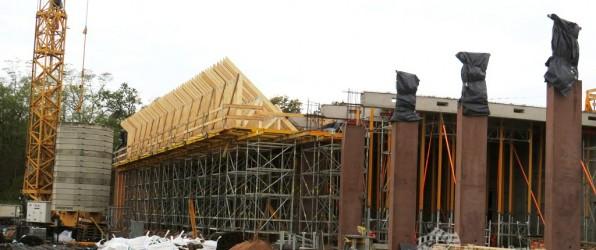 Die Fahrzeughalle bekommt ein Dach